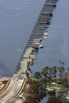 The Interstate 90 bridge over St. Louis Bay in Pass Christian, Mississippi, is folded and destroyed from the high wind and wa Tornados, Hurricane Katrina Aftermath, Hurricane Pictures, Hurricane Camille, Pass Christian, Natural Disasters, Abandoned Places, Mother Nature, Nature