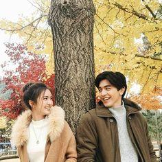 tra barb see chompoo Autumn Photography, Couple Photography, Photography Poses, Couple Aesthetic, Summer Aesthetic, Photo Poses For Couples, Cute Couples, Korean Wedding, Cute Love Couple