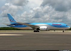Thomson Airways G-TUIC Boeing 787-8 Dreamliner aircraft picture