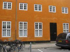 Strandgade 44. Tidligere danserestauranten Charlie Brown. Unusual Buildings, Charlie Brown, Danish, City, Collection, Danish Pastries, Cities