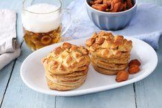 sütnijó! – Kipróbált sütemény receptek - Tepertős pogácsa Panna Cotta, Muffin, Breakfast, Food, Morning Coffee, Dulce De Leche, Essen, Muffins, Meals