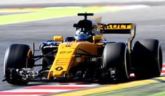 Renault Sport F1 Team's German driver Nico Hulkenberg drives at the Circuit de Catalunya on March 1, 2017 in Montmelo on the outskirts of Barcelona during the third day of the first week of tests for the Formula One Grand Prix season.  / AFP / JOSE JORDAN