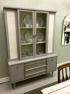 Mid century modern redone! Rethunk Junk furniture paint in Gray Mist with Linen makes this look so stylish.  #rethunkjunk #breakthechalkhabit #nowaxever