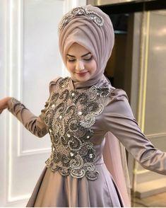 Should Be Considered In Choosing Hijab Evening Dresses Tesettür Ayakkabı Modelleri 2020 Muslimah Wedding Dress, Muslim Wedding Dresses, Muslim Dress, Bridal Dresses, Abaya Fashion, Muslim Fashion, Fashion Muslimah, Hijab Evening Dress, Evening Dresses
