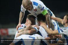 Radosť Slovákov počas kvalifikačného zápasu o postup na EURO 2016 Luxembursko - Slovensko (2:4). Luxemburg, 12. októbra 2015.