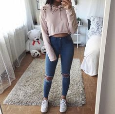 Superior Casual Fall Outfits You Need to The police officer This Saturday and sunday. Get encouraged with these. casual fall outfits for women Teenage Outfits, Teen Fashion Outfits, Fashion Clothes, Girl Outfits, Fall Clothes, Women's Clothes, Preteen Fashion, Picture Day Outfits, Teens Clothes