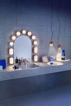 La déco de 2017 se veut relax : salle de bain entièrement carrelée