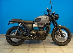Triumph Bonneville T120, Triumph Scrambler, T120 Black, Retro Bikes, Bike Ideas, Easy Rider, Dream Machine, Triumph Motorcycles, Royal Enfield