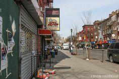 Calles del barrio judío de Brooklyn, Williamsburg Williamsburg Brooklyn, Street View, New York, The Neighborhood, Street, Vacations, New York City