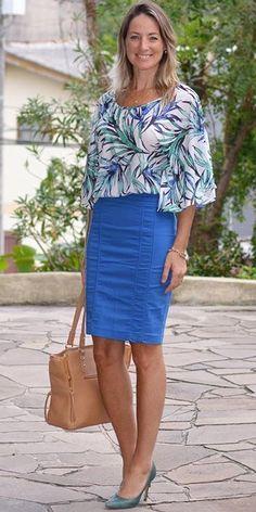 Look de trabalho - look do dia - look corporativo - moda no trabalho - work outfit - office outfit -  spring outfit - look executiva - look de verão  - summer outfit - saia lápis azul Royal Klein - bic - Blusa estampada floral - verde azul