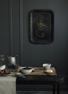 this picrue feels like a painting to me -- ohn-cullen-photo-black-tray-remodelista
