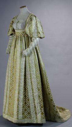 """Gown worn by Holliday Grainger in the role of Lucrezia Borgia in the TV series """"The Borgias"""" (2011-13). Designed by Gabriella Pescucci for Tirelli Costumi."""