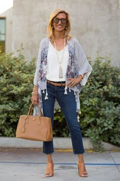 Rotary Heads Two Ways To Wear Jambu Brookline Gladiator Sandals - Elegantly Dressed And Stylish - Fashion Over 50 Fashion Mode, 50 Fashion, Kimono Fashion, Look Fashion, Fashion Clothes, Fashion Outfits, Fashion Trends, Classic Fashion, Petite Fashion