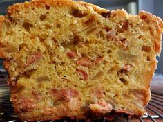 Recette cake andouillette, pommes et oignons par Dominique : Une recette étonnante de cake gourmand au caractère marqué..Ingrédients : pomme, andouillette, oignon