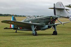 Le Morane-Saulnier MS.406 est le premier avion de chasse moderne des années 1930 à entrer en service dans les unités de l'Armée de l'air, et sans doute l'un des avions de combat français les plus connus de la Seconde Guerre mondiale. Il est le premier chasseur français dépassant les 400 km/h1, et l'un des deux seuls types d'appareil français construits à plus de 1 000 exemplaires, avec le Potez 63.