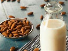 À lire sur #fraichementpresse aujourd'hui : comment faire son lait d'amande! Cest économique et plus facile que vous pensez! #amande #almond #laitdamande #almondmilk #whatveganseat #vegetarian #veganfoodlovers #foodrevolution #herbivore #dairyfree #vscofood #govegan #eeeeets #foodphotography #f52grams #foodphotography #feedfeed #beautifulcuisines #mtlfoodie #eatmtl #mtlblogger #canadianblogger #foodblogger #inspiration