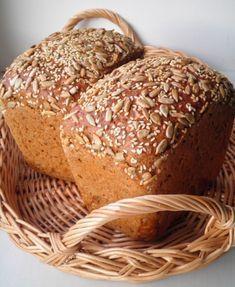 Ржаные хлеба - моя слабость. Этот хлеб пеку давно и очень люблю его вкус - простой и вместе с тем сложный. Большое количество хлопьев и семян в тесте делают вкус особенным...да и мне нравится жевать,как ни странно это звучит :) Давно подметила,что народ разучился жевать,у нас в магазинах…