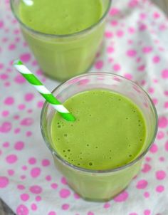 Tropical Green Smoothie Recipe on 100 Days of #RealFood