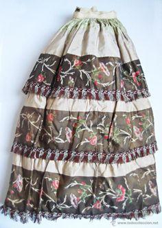Antigua y excepcional falda de seda, enagua de cañamo. Indumentaria regional - Foto 7