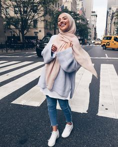 Pin by rєjαnα вríkα on hijab fashion in 2019 мусульманская мода, мусульманк Modern Hijab Fashion, Street Hijab Fashion, Hijab Fashion Inspiration, Muslim Fashion, Mode Inspiration, Modest Fashion, Hijab Fashion Style, Modest Outfits Muslim, Fashion Outfits