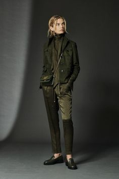 Mar 2020 - The complete Kiton Fall 2020 Ready-to-Wear fashion show now on Vogue Runway. Fashion 2020, New Fashion, Fashion News, Fashion Trends, Mode Outfits, Fashion Outfits, Jeans Trend, Winter Mode, Outfit Trends