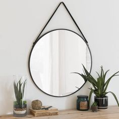 Round mirror with black metal frame - Spiegel - Sideboard Furniture, Hallway Furniture, Dining Room Furniture, Dining Room Bench Seating, Living Room Chairs, Interior Design Living Room, Ideas Habitaciones, Sun Lounger Cushions, Home Scents