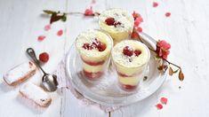 Voici une délicieuse recette de Tiramisu aux framboises très facile à préparer. Cette recette gourmande est aussi un très bon dessert à réaliser pour la fête des mères !