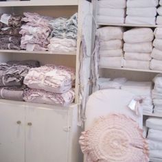 Petticoat bedding collections--if only I didn't live with a man!