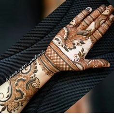 Best Arabic Mehndi Designs For Hands - Art & Craft Ideas Indian Henna Designs, Simple Arabic Mehndi Designs, Henna Art Designs, Mehndi Designs For Girls, Modern Mehndi Designs, Dulhan Mehndi Designs, Wedding Mehndi Designs, Mehndi Design Pictures, Henna Mehndi