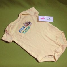 Body Pint Size, marca Just One Year, 3-6 meses Q20.00