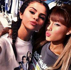 selena gomez and Ariana Grande Ariana Grande Selena Gomez, Selena Gomez Cute, Selena Gomez Fotos, Selena Gomez Pictures, Selena Gomez Friends, Icon Girl, My Everything Ariana Grande, Cheer Poses, Hot Girls