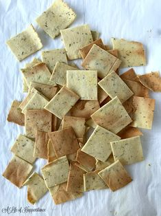 Grain Free Crackers (SCD, Paleo, and Keto Friendly) - These homemade almond flour herb crackers are crispy, full of Italian flavor, and easy to make. Almond Flour Crackers Recipe, Homemade Crackers, Homemade Breads, Scd Recipes, Dairy Free Recipes, Low Carb Recipes, Easy Snacks, Keto Snacks, Pretzels