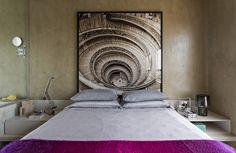 Decorado com um quê teatral. Veja: https://casadevalentina.com.br/projetos/detalhes/com-um-que-teatral-506 #decor #decoracao #interior #design #casa #home #house #idea #ideia #detalhes #details #art #arte #casadevalentina #bedroom #quarto #dormitorio