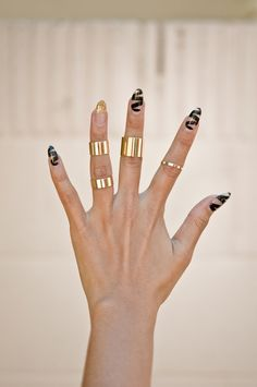 Bars of Gold Midi Ring Set   http://www.gold-soul.la/collections/rings/products/bar-of-gold-midi-ring-set