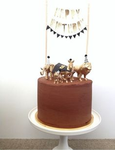 Great cake decoration.