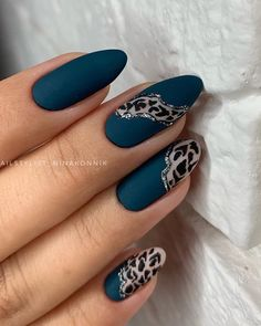 What you need to know about acrylic nails - My Nails Cheetah Nail Designs, Cheetah Nails, Black Nail Designs, Fingernails Painted, Cute Acrylic Nails, Cute Nails, Green Nail Art, Green Nails, Black Nails
