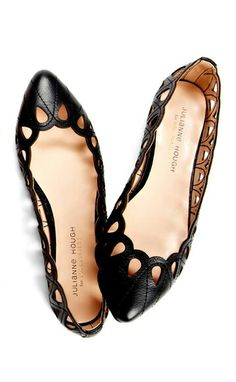 **janessa - cute flats for office & commute. I think these are available in flesh tone too but I already have a pair of nude cut out flats Cute Shoes, Me Too Shoes, Pretty Shoes, Cute Flats, How To Have Style, Mein Style, Shoe Closet, Crazy Shoes, Beautiful Shoes