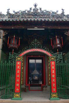 uno de los mejores lugares para conocer en la vida templo Thien Hau Temple, Ho Chi Minh City, Vietnam by Mike Gadd, via Flickr