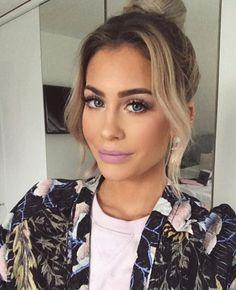 Mrs Bella, Makeup Tips, Beauty Makeup, Videos, Pearl Earrings, Make Up, Instagram, Queen, Fashion