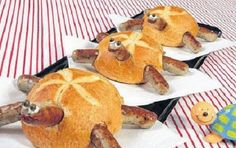 Schildkrötenparade: Kaiserbrötchen mit Bratwürstchen and hollowed out/filled with soup and re-topped # Food and Drink art fun Creative Kitchen, Creative Food, Cute Food, Good Food, Yummy Food, Comida Diy, Snacks Für Party, Party Party, Bratwurst