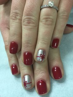 Red Gliiter, Silver sparkle with an adorable bow Christmas gel polish over non-toxic odorless gel.