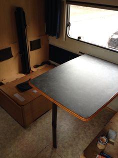 Gerenoveerde tafel