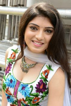 Page 80 of Priyadarshini Pictures, Priyadarshini Stills, Priyadarshini Photos, Priyadarshini Gallery Cleavage Hot, Indian Face, Muslim Beauty, Glamorous Makeup, Beautiful Girl Photo, Viria, Cute Faces, India Beauty, Indian Girls