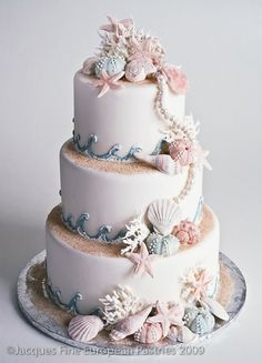 Spring and Summer Wedding Cake Inspiration: 23 Beautiful Wedding Cakes - Maritimes Flair / Strandhochzeit - Gateau Summer Wedding Cakes, Seaside Wedding, Beach Themed Wedding Cakes, Summer Weddings, Wedding Cupcakes, Beach Theme Parties, Romantic Weddings, Beach Themes, Beach Wedding Themes