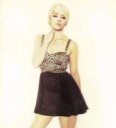 Amber - F(x) Amber is in a dress!! She's so pretty!!! OMG!!!! ..... OMG. ... Ok, I'm done,  omg
