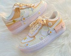 Dr Shoes, Cute Nike Shoes, Swag Shoes, Cute Nikes, Hype Shoes, Me Too Shoes, Shoes Jordans, Nike Custom Shoes, Shoes Sneakers