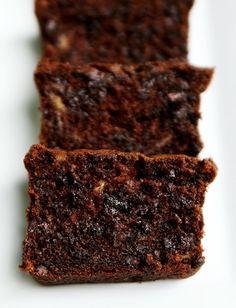 Sour Cream Chocolate Chocolate Chip Banana Bread http://bit.ly/IbQ9y0