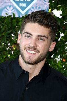 Image about fashion in Teen Wolf by Celebrities Media Popular Mens Haircuts, Cool Hairstyles For Men, Cool Haircuts, Haircuts For Men, Easy Hairstyles, Latest Hairstyles, Cody Christian, Mike Montgomery, Pretty Little Liars