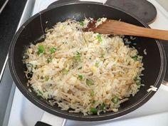 Simple Egg Fried Rice (Low FODMAP Recipe) - FODMAP Fun - add chicken