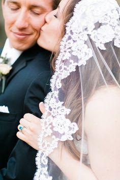 Vintage lace-edged veil | Read More: http://www.stylemepretty.com/2014/06/26/elegant-wachesaw-plantation-club-wedding/ | Photography: Caroline Lima Photography - carolinelimaphotography.com